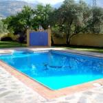 Casa Rural El refugio de Laura Piscina y ducha